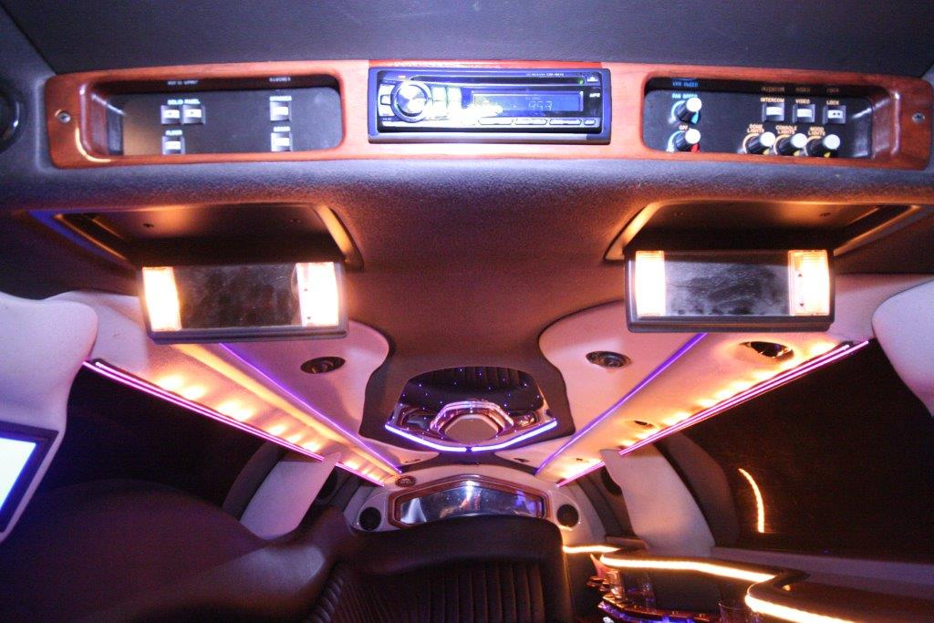 2007-120-federal-limousine-10passenger-limo-coach-11