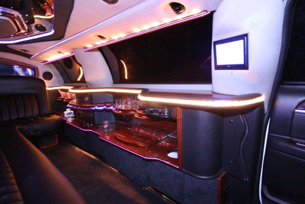 2007-120-federal-limousine-10passenger-limo-coach-12