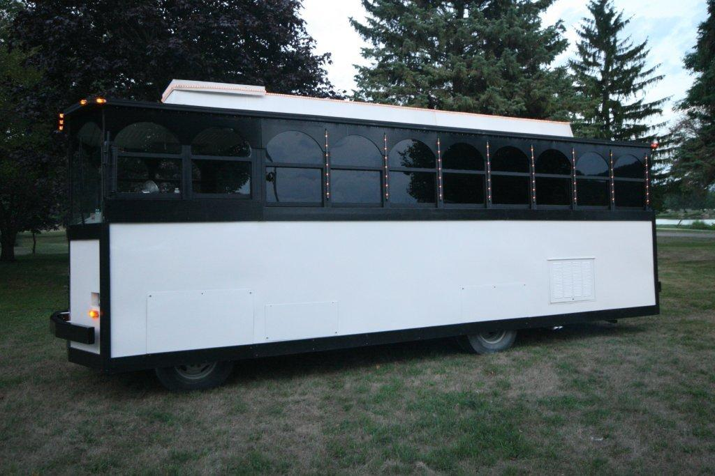 2012-limo-trolley-22-passenger-conversion-08