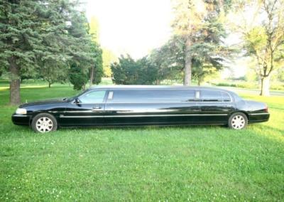 2011-Lincoln-Town-Car-Limousine-120-Long-door-10-pass-Limo-Coach-02