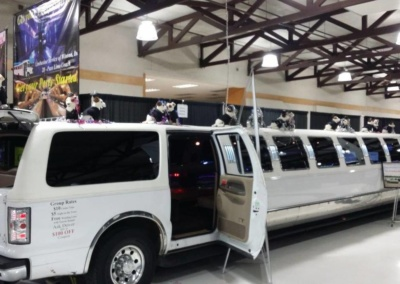 SUV-Limo-for-Sale-30-Passenger-Excursion-03
