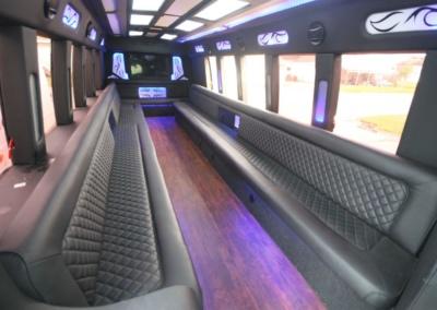 limo-coach-22-passenger-TT-39-02