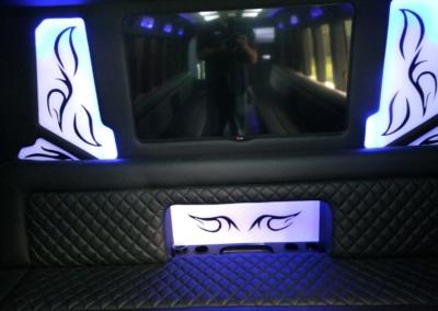 limo-coach-22-passenger-TT-39-06
