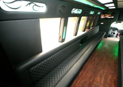 limo-coach-22-passenger-TT-39-09