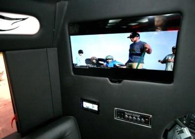limo-coach-22-passenger-TT-39-11