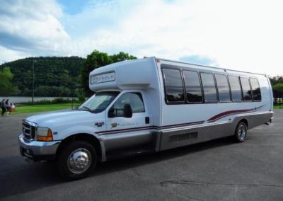 1999 Krystal Limo Bus 24 Passenger