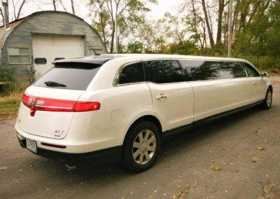 2014-MKT-MKT-Lincoln-Town-Car-120_SUV-Limo-05