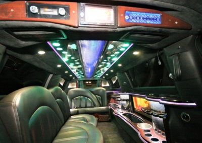 2014-MKT-MKT-Lincoln-Town-Car-120_SUV-Limo-10