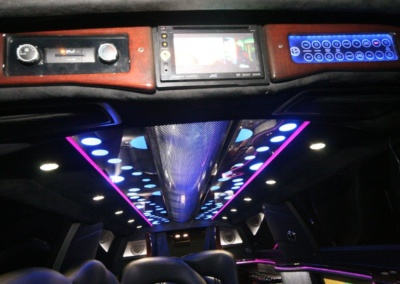 2014-MKT-Lincoln-Town-Car-120_SUV-Limo-13